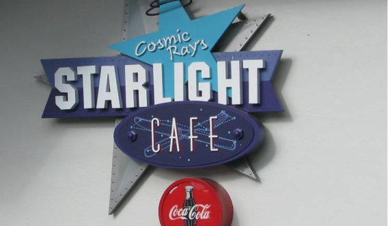 Comic Ray's Starlight Café: Indiçação de restaurante no Magic Kingdom!!