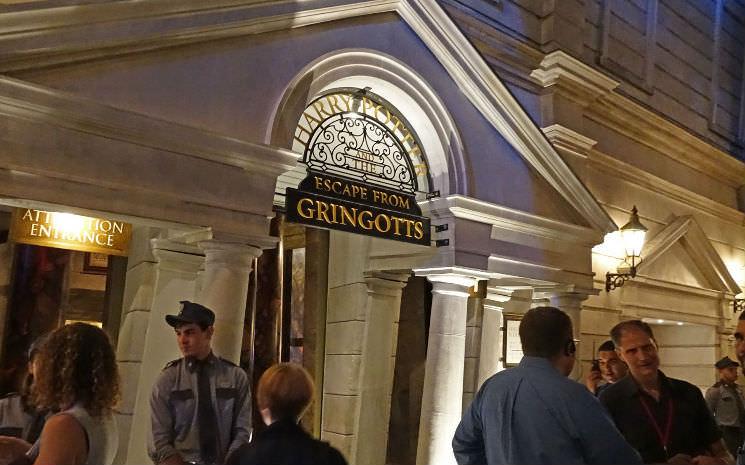 Mais detalhes sobre Harry Potter and the Escape from Gringotts.