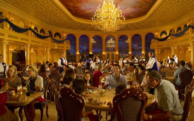 Já é possível fazer reservas para o almoço no Be Our Guest!!