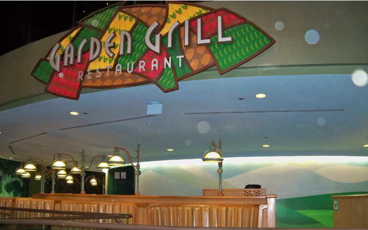 Como é o Garden Grill, restaurante com personagens no Epcot!!