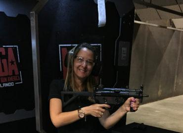 Fomos conhecer o Machine Gun America, um stand de tiro em Orlando