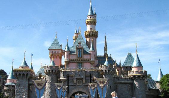 É possível entrar no castelo da Aurora na Disneylândia