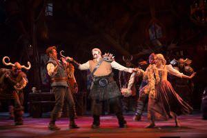 Navio da Disney, enrolados teatro