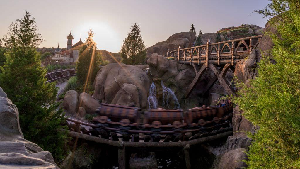 Entrar no Magic Kingdom logo ao amanhecer
