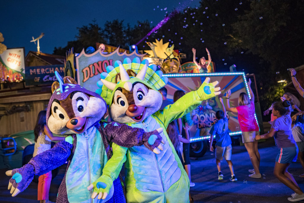 DonaldÕs Dino-Bash! Dance Party
